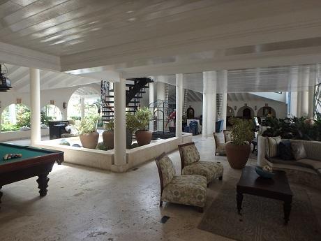 Caribbean Grove lobby