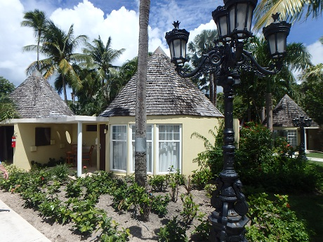 Caribbean beachfront butler rondoval