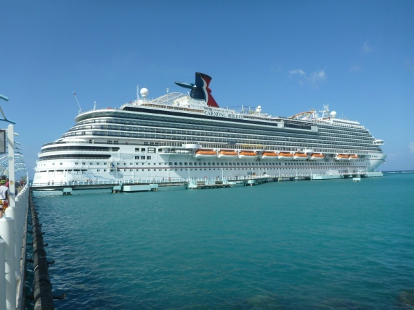 A Disney Cruise Line Snob Sails Carnival Cruise Line