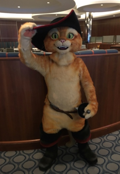 DreamWorks Rise & Dine CharacterPuss In Boots - DreamWorks Rise & Dine Character Dining - Royal Caribbean Oasis of the Seas