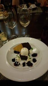 Dark chocolate tart with white chocolate crema